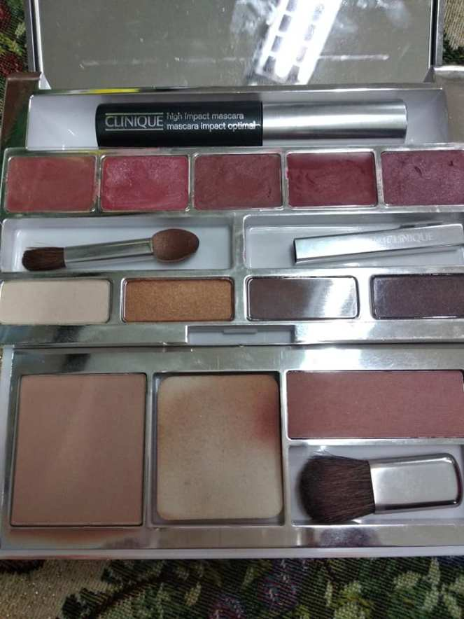 clinique pallette.jpg